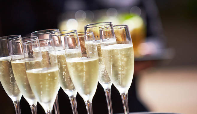 Правила игры в аппарате Champagne с большими выигрышами