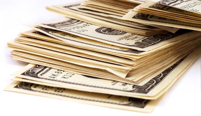 Главным звеном экономики, отвечающим за ее развитие и регулирование, сегодня являются банки