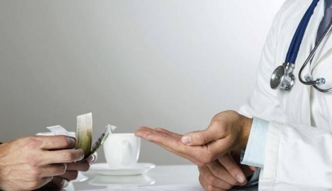ФОМС не хватает 500 млрд рублей на зарплаты врачам