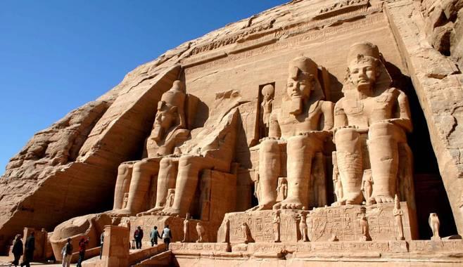 Окунитесь в историю Древнего Египта вместе с новой игрой Book of Ra Deluxe